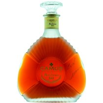 https://www.cognacinfo.com/files/img/cognac flase/cognac camus xo borderies_2a7a5277.jpg